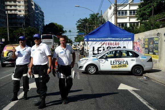 Operação Lei Seca fiscaliza motoristas no Rio (Foto: Fernando Frazão/Arquivo Agência Brasil )