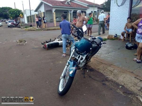 Os dois motociclistas foram levados a UPA . (Foto: Radar B.O.)