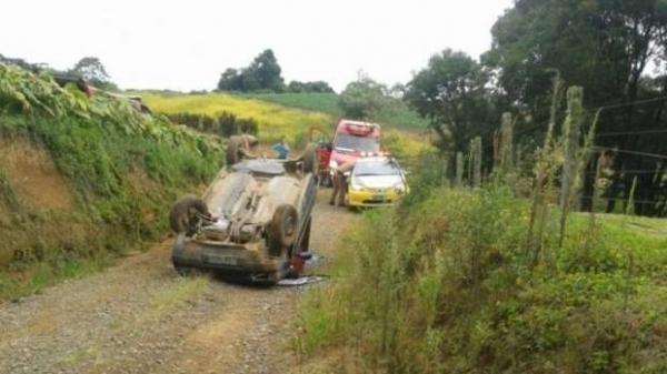 O menino não resistiu aos ferimentos e morreu ainda no local do acidente. (Foto: A Rede)