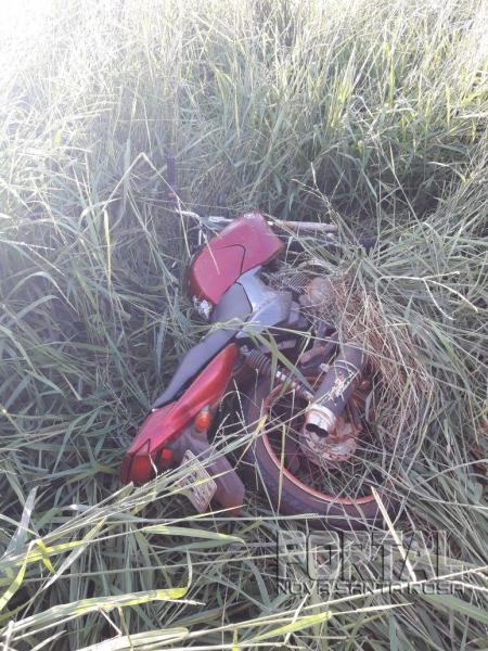 O moto estava abandonada. (Foto: Portal Nova Santa Rosa)