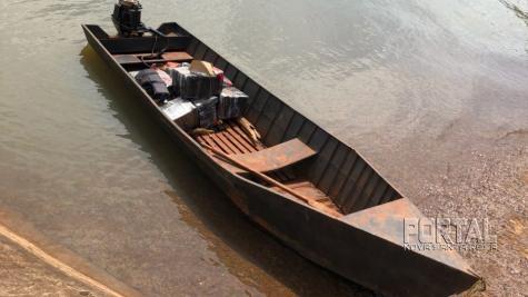 267,9 kg da droga estavam na embarcação. (Foto: PF)