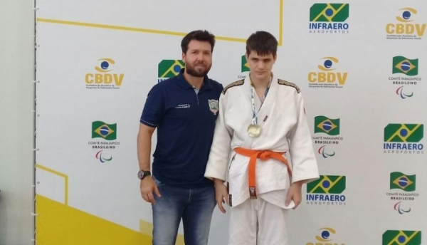 Gustavo Alberto Ohse Hanke, de 13 anos é judoca faixa laranja (Foto: Divulgação )