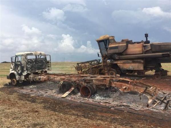 Um galão de gasolina foi encontrado nas proximidades. (Foto: Divulgação )