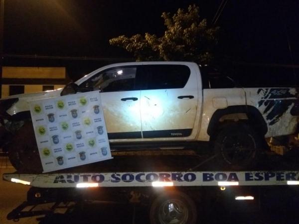 Os veículos havia sido roubados na noite de ontem (27). (Foto: Assessoria)