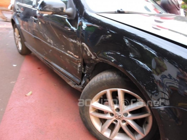 Apesar do forte impacto não houve feridos no acidente (Foto: Jones Souza/AquiAgora.net )