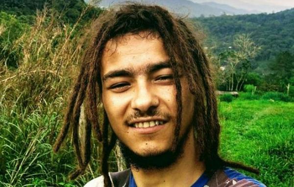 Ele foi decapitado e partes do corpo do jovem foram localizadas em sacos.(Foto: Divulgação)