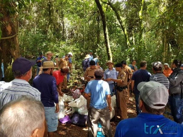 Foram localizados aproximadamente 100 pessoas, entre homens e mulheres agricultores.(Foto: TRX OnLine)