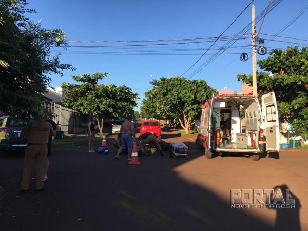 O condutor da motocicleta precisou ser socorrido pela equipe do SAMU. (Foto: PM)