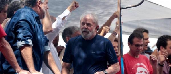 O ex-presidente Luiz Inacio Lula da Silva, na sede do Sindicato dos Metalúrgicos no ABC - Leonardo Benassatto / Reuters
