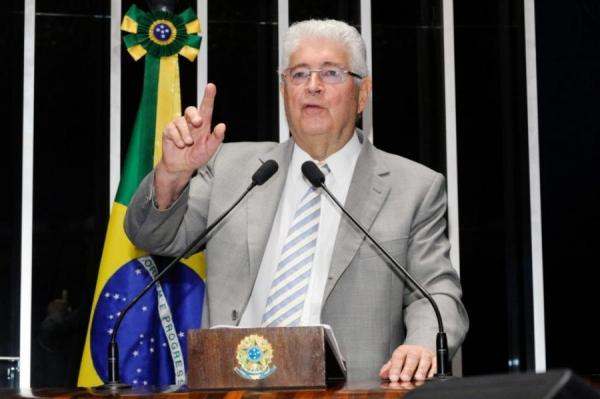 Requião entra com pedido na Justiça para visitar Lula (Foto: Waldemir Barreto / Agência Senado )