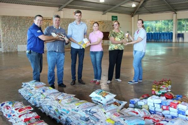 Maripá Motor Show arrecadou mais de 500 kg de alimentos. (Foto: Assessoria)