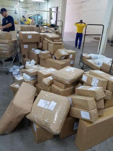 Os agentes contataram que 300 quilos de agrotóxicos. (Foto: Receita Federal)