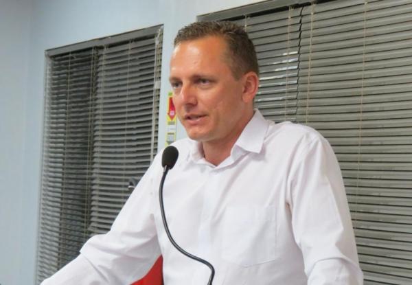 "Vereador Vanderlei Sauer: ""objetivo é dificultar o uso de narguilé por adolescentes"""