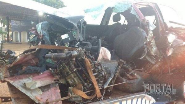 O condutor perdeu o controle e foi parar no pátio do posto. (Foto: Portal Palotina)