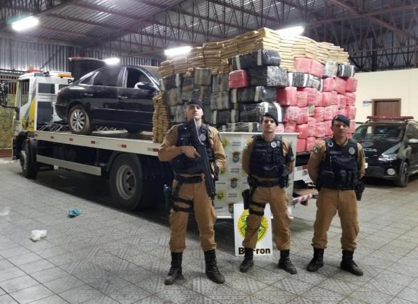 Operação Tiradentes resulta em apreensão de mais de uma tonelada de maconha e haxixe próximo a Umuarama (Foto: BPFron/Divulgação )