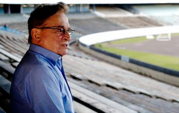 O ex-presidente gremista enfrentava problemas de saúde desde 2015. (Foto: Globo Esporte)