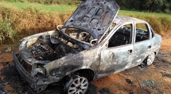 A perícia foi acionada para identificar as causas do incêndio. (Foto: Massa News)