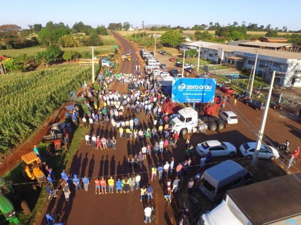 Centenas de pessoas participaram. (Fotos: Gabriel Arndt)