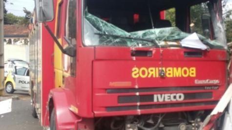 O acidente aconteceu na manhã desta sexta-feira (1º). (Foto: A Rede)