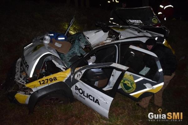 dois policiais militares ficaram feridos ao capotarem com uma viatura .(Fotos:Guia SMI)