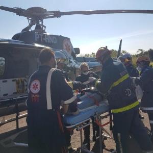 Vítima foi socorrida pelo Samu e levado para hospital de helicóptero (Foto: Samu/Divulgação)