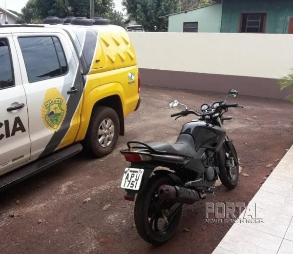 A moto tem placa de Maripá