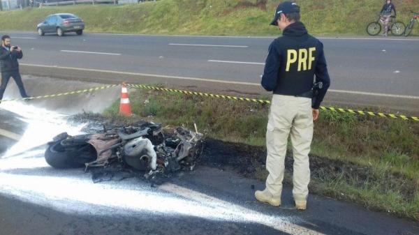 Cena do acidente (Foto: PRF)