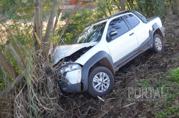 A frente do veículo foi afetada. (Fotos: Bogoni)