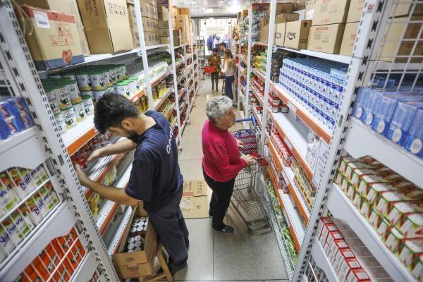 Vários fatores influíram no preço do leite: greve, entressafra e ração (Foto: Daniel Castellano / SMCS)