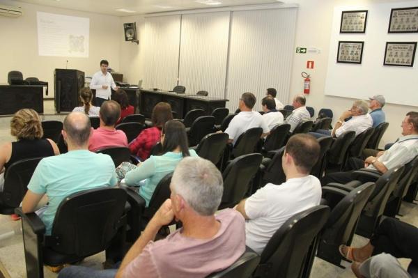 A reunião foi realizada na Câmara de Vereadores e contou com a participação de autoridades municipais e da comunidade em geral. (Foto: Assessoria)