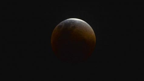 """Um atrativo será a iluminação por um efeito laranja avermelhado na lua, que ganhou o nome de """"Lua de Sangue"""". (Foto: Divulgação)"""