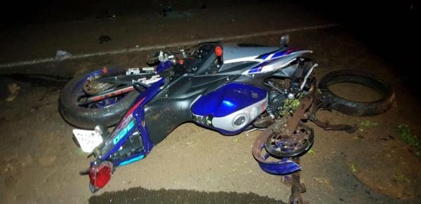 O motociclista trafegava no sentido cidade-Porto Medes quando acabou chocando-se contra o barranco às margens da rodovia. (Fotos:PRE)