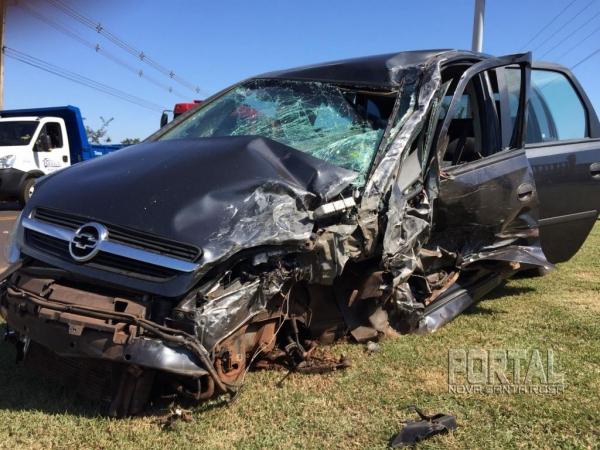 O veículo ficou destruído. (Fotos: Marcio Cerny)