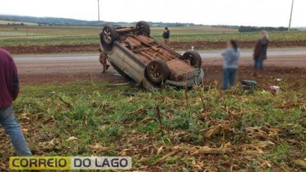 Ninguém se feriu com o acidente. (Foto: Correio do Lago)