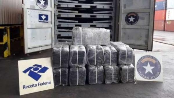 A droga estava armazenada em um contêiner. (Foto: Receita Federal)