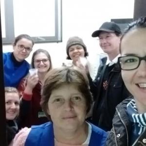Uma self com as colegas antes da despedida. (Foto: Divulgação)