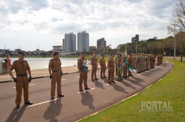 Durante o evento, foi entregue aos miliares em destaques, medalhas de Honra ao Mérito do batalhão.(Fotos: Bogoni)