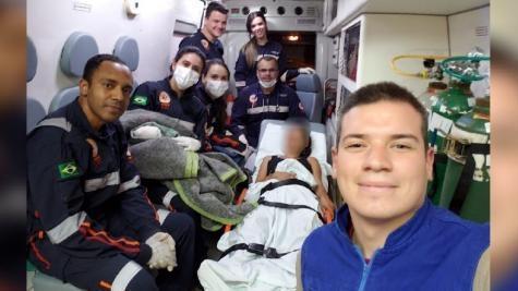 Quando a ambulância, estava chegando em Maringá, a bolsa se rompeu.(Foto: Plantão Maringá)