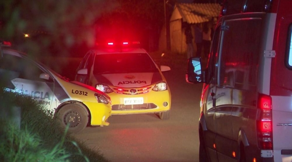 Policial mata namorada e primo baleados e morre depois de atirar contra a própria cabeça, segundo a PM (Foto: Reprodução/RPC)