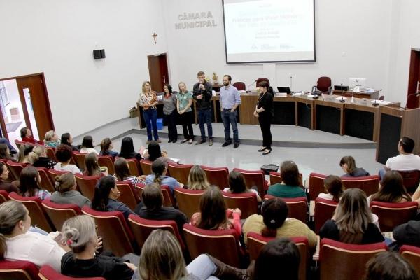 Formação aborda importância da Saúde Integrativa na Escola para promoção da qualidade de vida. (Foto: Assessoria)
