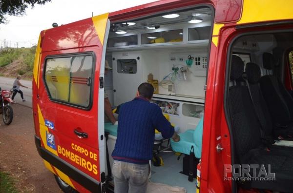 O condutor foi socorrido e levado ao Mini Hospital pelo Corpo de Bombeiros. (Foto: Bogoni/Radar B.O.)