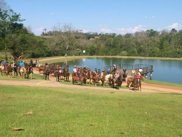 A cavalgada passou por vários pontos da cidade. (Fotos: Emanuela Schaedler)