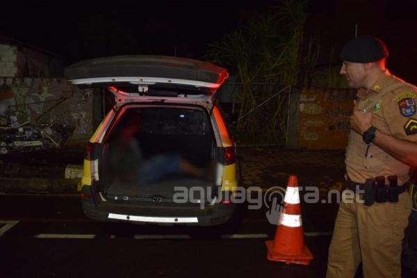 A Polícia Militar deteve dois dos três arrombadores (Foto: Cristine Kempp/AquiAgora.net )