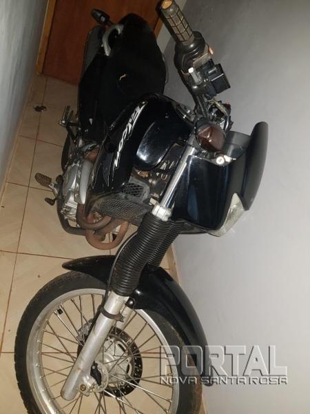Se alguém conhecer o dono desta motocicleta, entre em contato com a Polícia.(Foto: Divulgação)