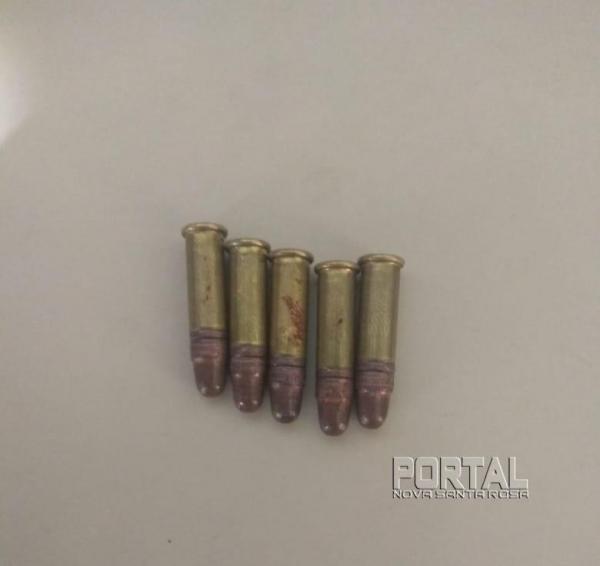 Cinco cápsulas foram encontradas pela PM. (Fotos: Portal Nova Santa Rosa)
