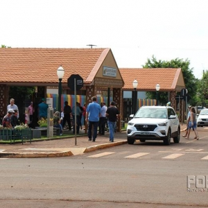 Votação na Escola Municipal Getúlio Vargas. (Foto: Portal Nova Santa Rosa)