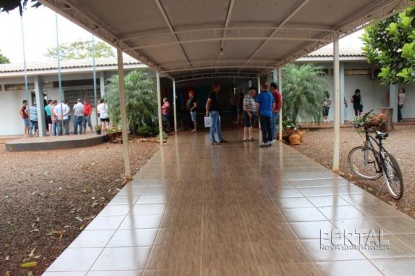 Votação em Alto Santa Fé. (Foto: Portal Nova Santa Rosa)