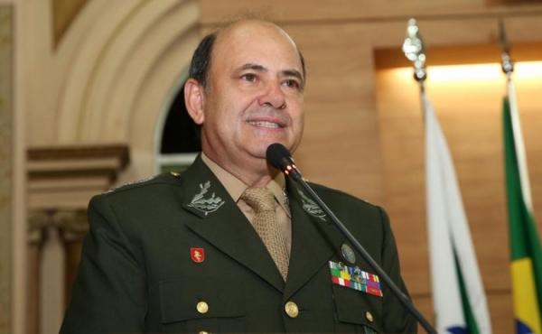 Em 2015, Carbonell recebeu o título de Cidadão Honorário de Curitiba na Câmara Municipal. Foto: Divulgação/CMC