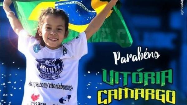 Vitória Camargo era a única menina na sua categoria, por isso teve que competir com meninos (Foto: Divulgação )