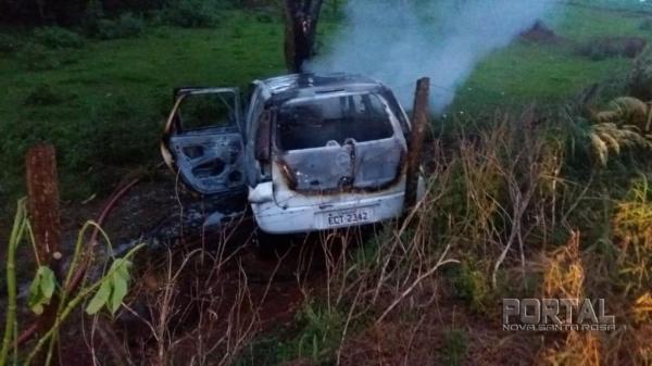 O veículo ficou destruído. (Foto: Portal Palotina)